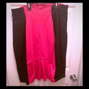 💥Plus Size 18W Black & Pink Skirt. Career/casual